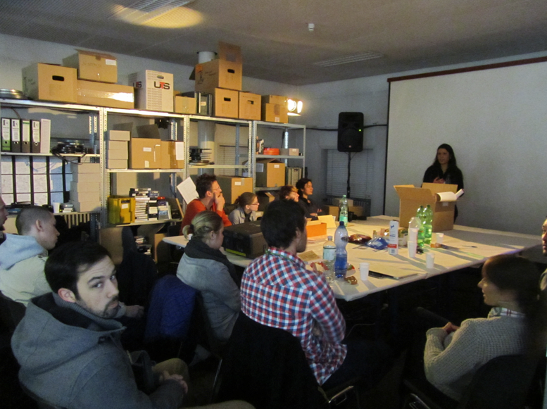 a university class had an own lecture about the filmwinter archive and archiving were archiving their own research.