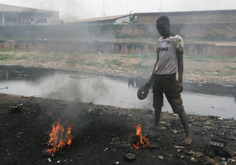 08/2014 Artist in Residence, Agbogbloshie e-waste dump